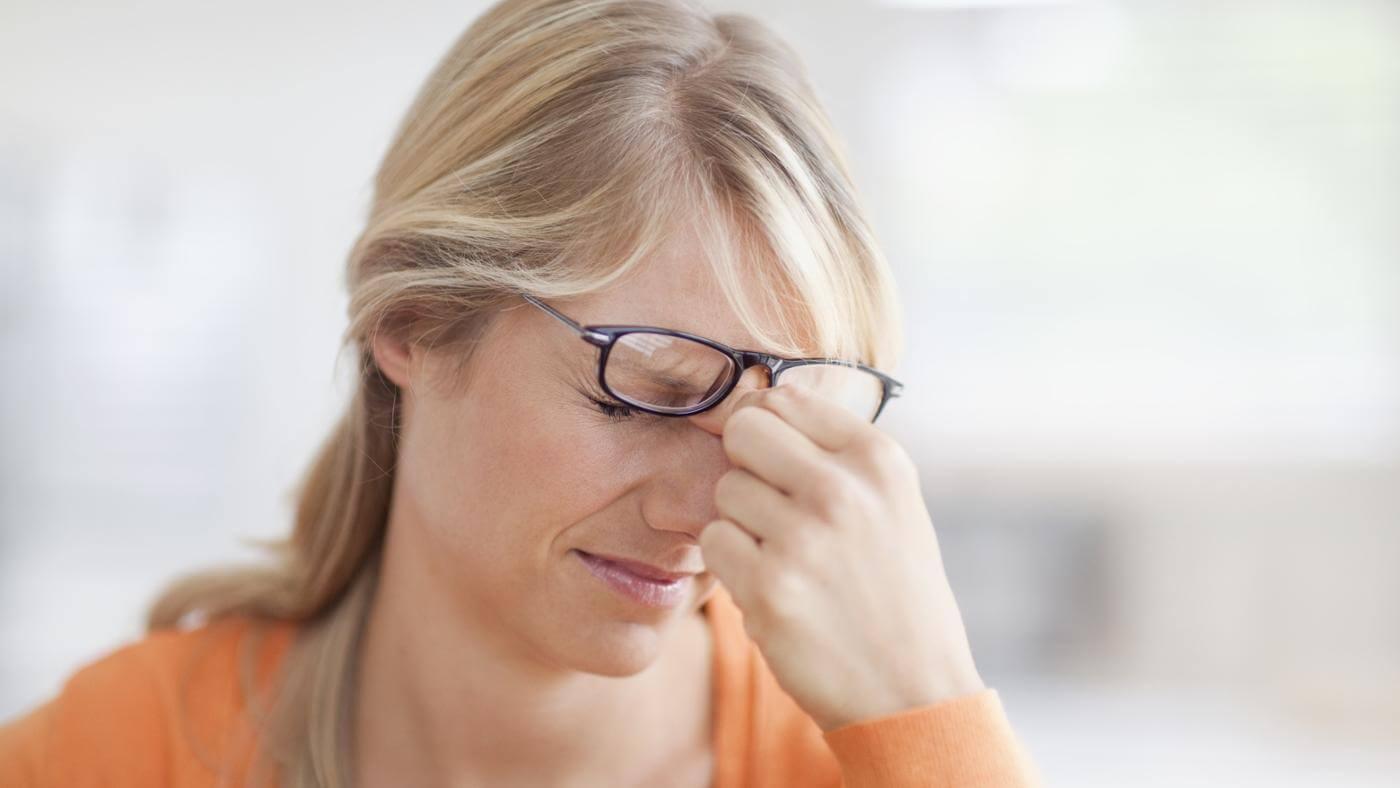 Почему тошнит и темнеет в глазах