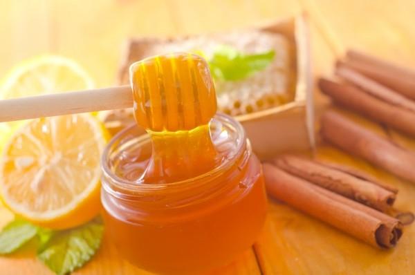 мед с корицей и лимоном