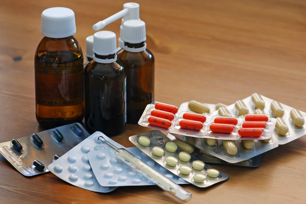 таблетки и микстуры