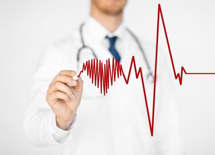 доктор и высокий пульс
